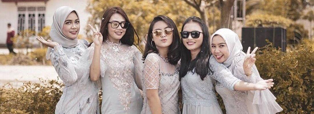 7 Ide Seragam Bridesmaid Yang Bisa Kamu Contek Mulai Dari Kebaya