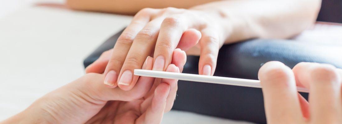 Kenapa Rutin Manicure dan Pedicure Penting? Cek di Sini!