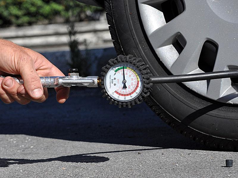3 Hal Penting Tentang Tekanan Ban Mobil!