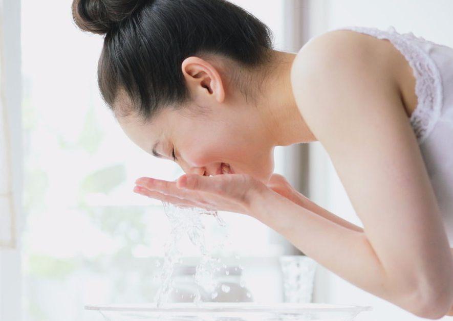 7 Sabun Cuci Muka Untuk Kulit Berjerawat Yang Terkenal Ampuh Goglam